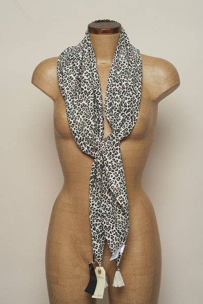 Maison Scotch | Pañuelo Animal Print | Accesorios