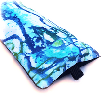 Load image into Gallery viewer, Organic Devolution Surf Mat Travel Bag Handmade Acid Dyed Custom Version 2 Rear Detail View