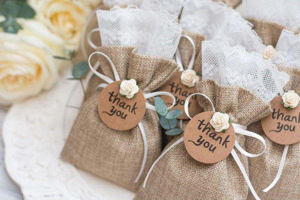 7 Boozy Mini Gift Sets for your Wedding Guest