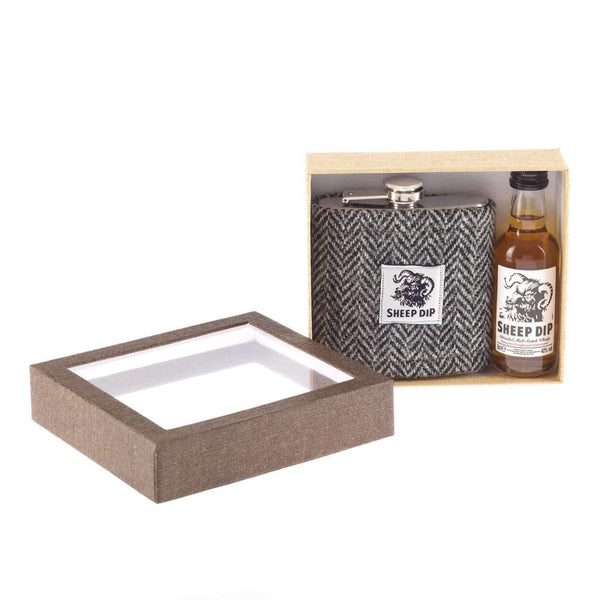 Just Miniatures:Sheep Dip Whisky Miniature & Harris Tweed Hipflask Gift Set