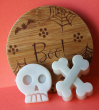 Load image into Gallery viewer, Halloween Skull and Bones Soap