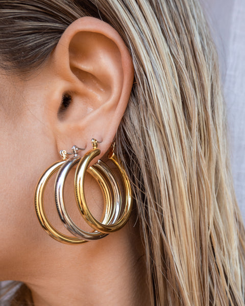 Chiara Tube Hoops- Gold (Ships Late May)