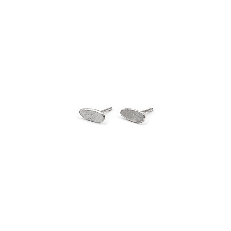 PEBBLE 02 stud earrings