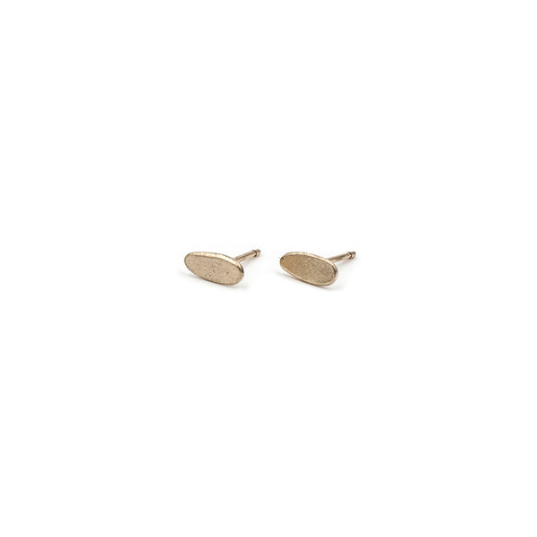 PEBBLE 8mm stud earrings