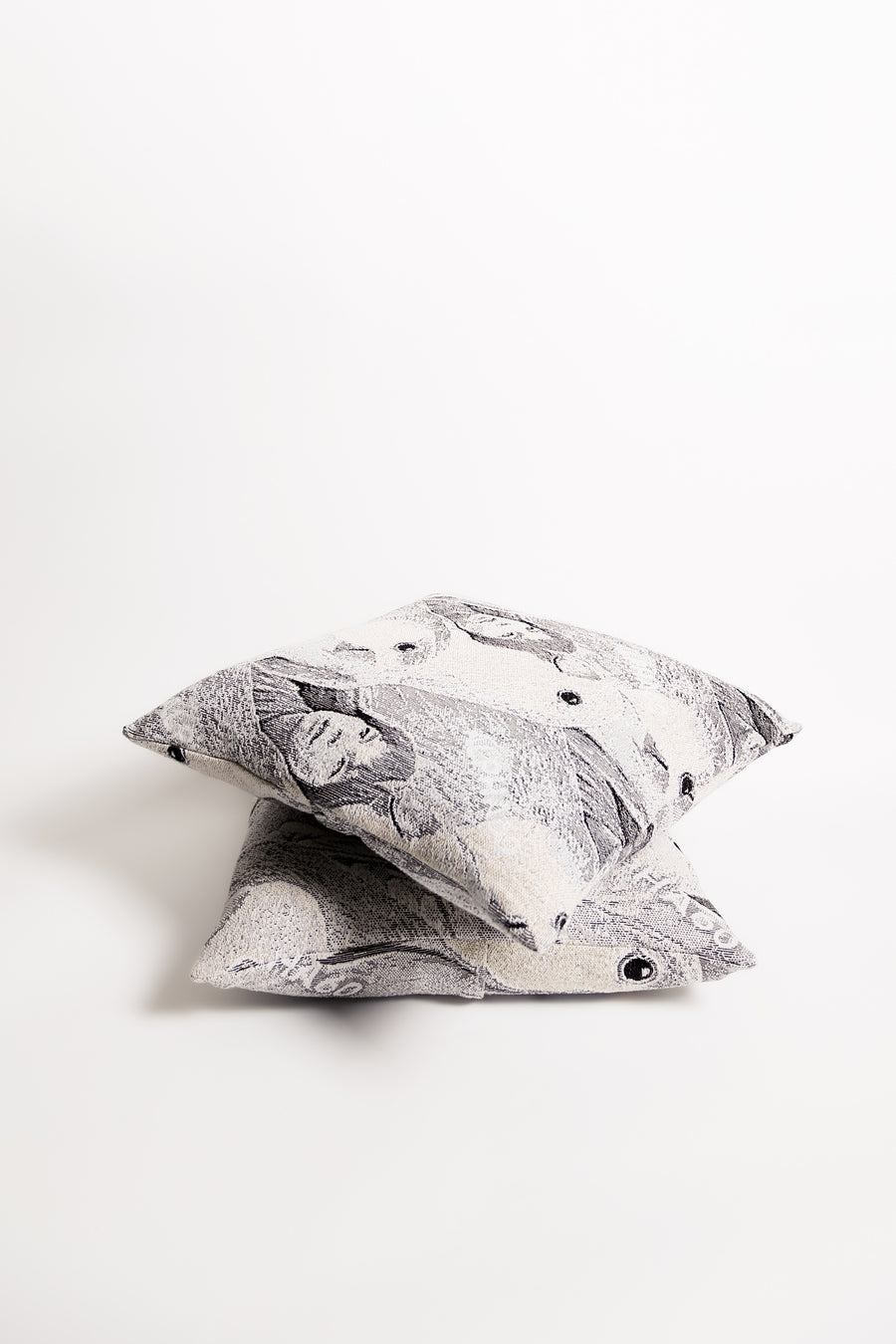 ALPHA60 JACQUARD CUSHION / JACQUARD