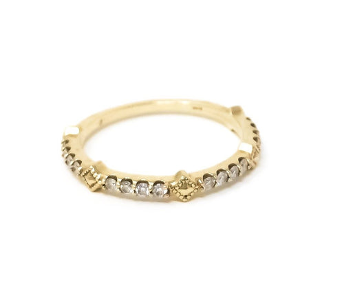 women's gold and diamond ring