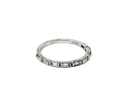 women's white gold diamond baguette ring