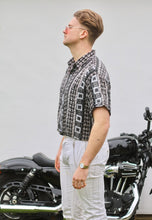 Casuals Mosaic Lightweight Short Sleeve Vintage Shirt