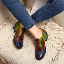 Load image into Gallery viewer, Women Retro Clover Pattern Hand-colored Genuine Leather Lace Up Comfortable Shoes