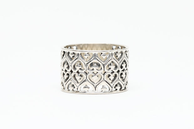 Avenue Chic Filigree Heart Ring - The Gathering Shops