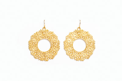 Avenue Chic Daisy Earrings - The Gathering Shops