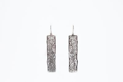 Avenue Chic Filigree Bar Earrings - The Gathering Shops