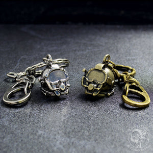 KR-01 Kirby Morgan® Superlite® 37 Diving Helmet Keyring - Divers Gifts