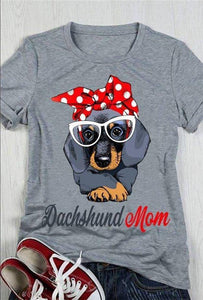 Dachshund Awesome Mom Classic T-Shirt