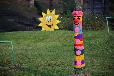 yarnbombing with KnitPal natural fibers