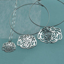 Large Chrysanthemum Silver Necklace 6.5cm