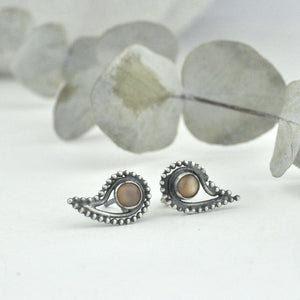 Blackened silver Paisley stud, Peach moonstone.