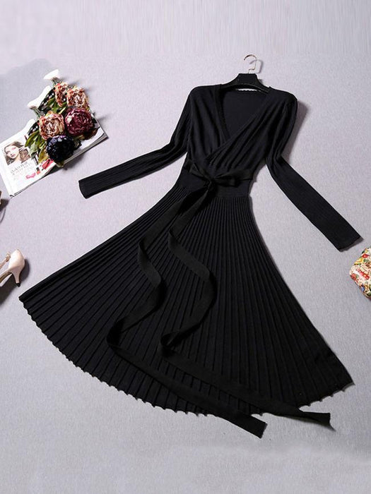 V-Neck Solid Pleated Knitted Skater Dress
