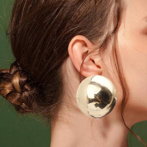 Exaggerated geometric round steamed bread earrings