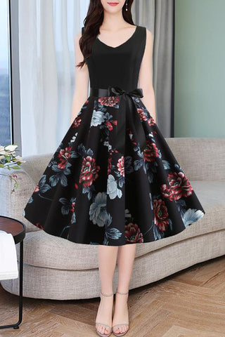 V-Neck  Belt  Colouring Printed Skater Dress