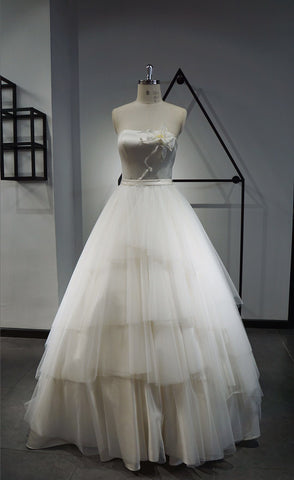 A-line sweetheart neck ruffle wedding dress
