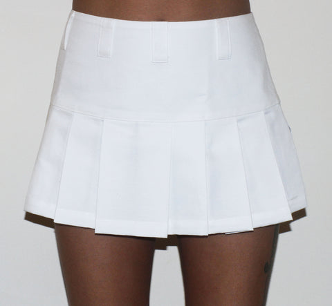 REGINA 90S STYLE WHITE MINI PLEATED SKIRT