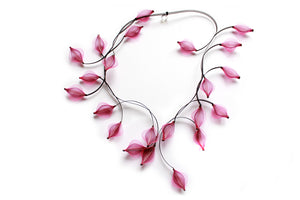 Contemporary design necklace