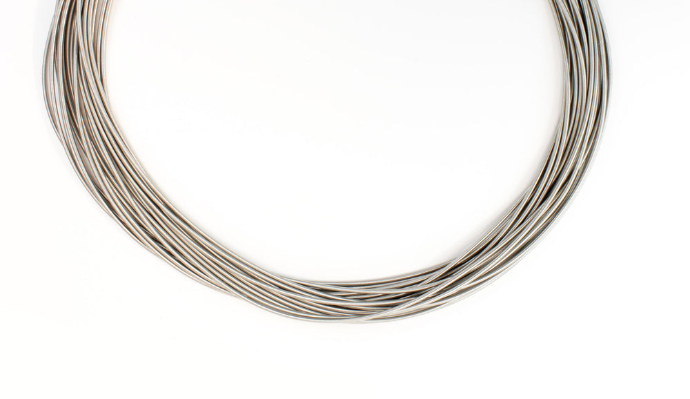 Long necklace, steel spring