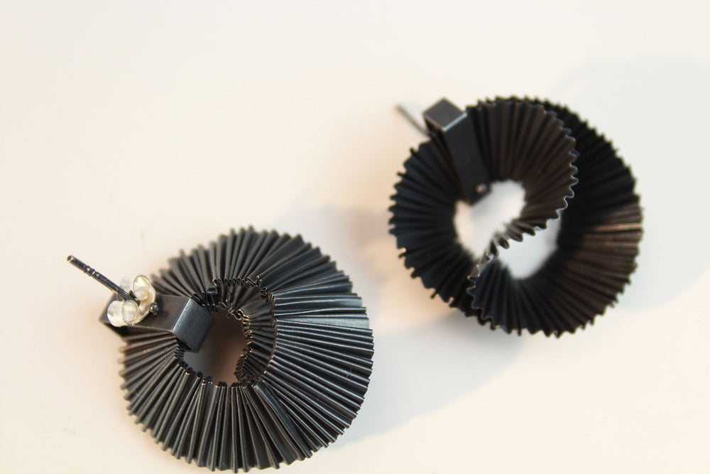 Earrings, black