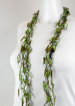 Necklace, light green gold