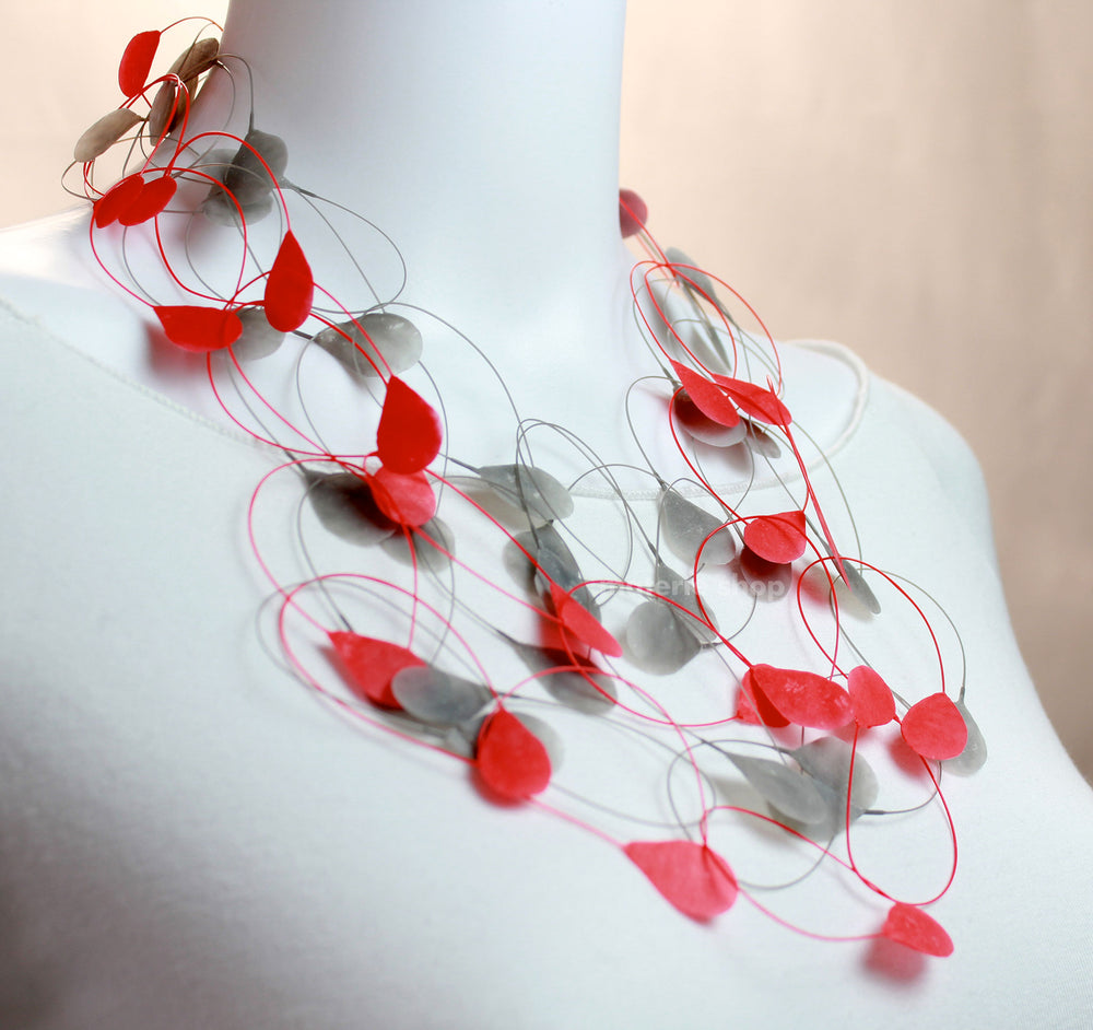 Necklace, red/grey