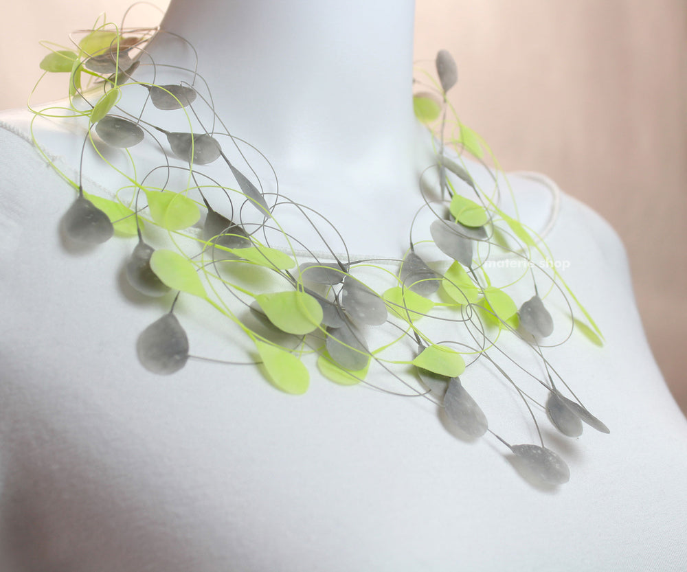 Necklace green-grey