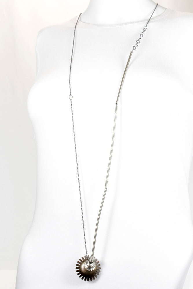 Long necklace, silver