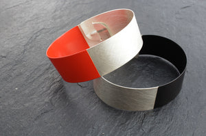 Bracelet, 935 silver with lacquer.