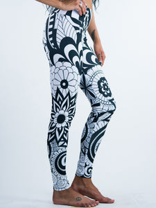 Abstract Flowers Zen Doodle Art Leggings