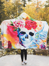 Load image into Gallery viewer, Flowers and Skull Design Hooded Blanket