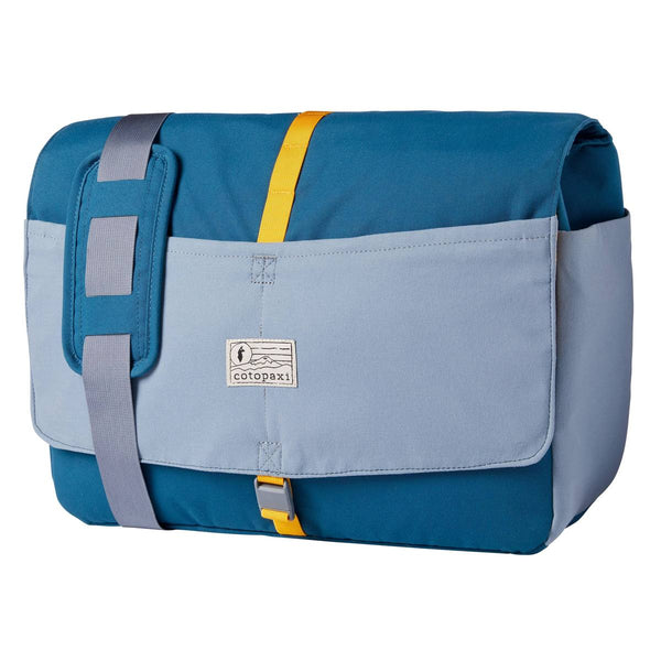 Chuspa 15L Messenger Bag