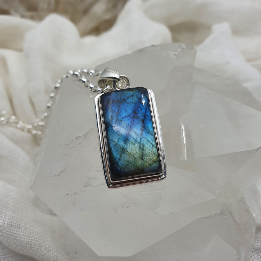 Sterling Silver & Labradorite Necklace