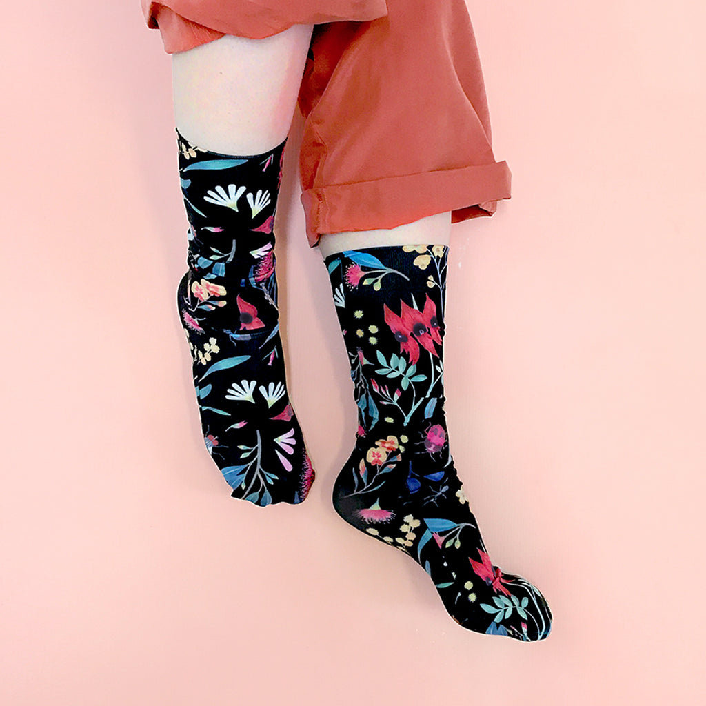 WILD FLOWERS SOCKS ~ DARK