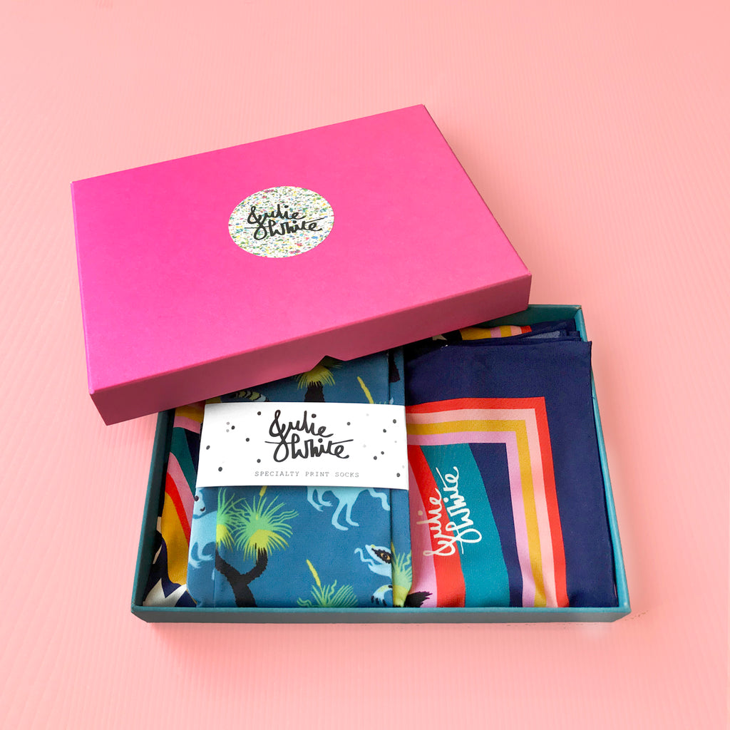 GIFT BOX SPECIAL - Classic silk scarf + socks
