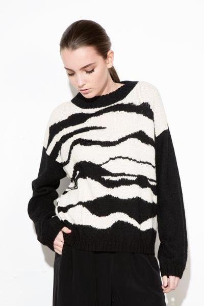 B/W LANDSCAPE SWEATER