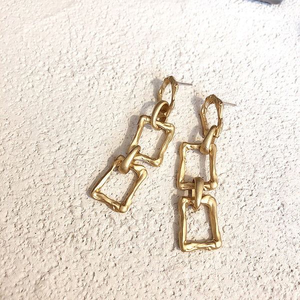 Retro minimalistic geometric metal chain stitching earrings