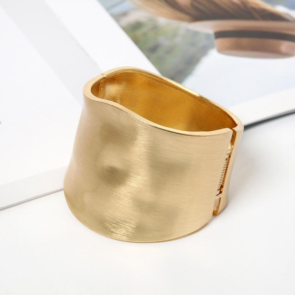 Simple Exaggerated Wide-Brimmed Bracelet