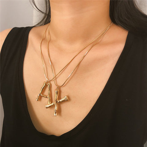 Simple letter personality, versatile short clavicle necklace
