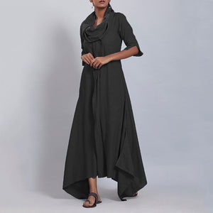Asymmetrical dress with swing collar and sleeves at leisure