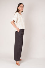 Load image into Gallery viewer, Sothea Linen Tie Front Pants - Chocolate