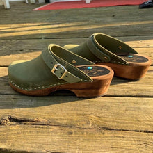 Load image into Gallery viewer, Classic Clogs with Strap - Green