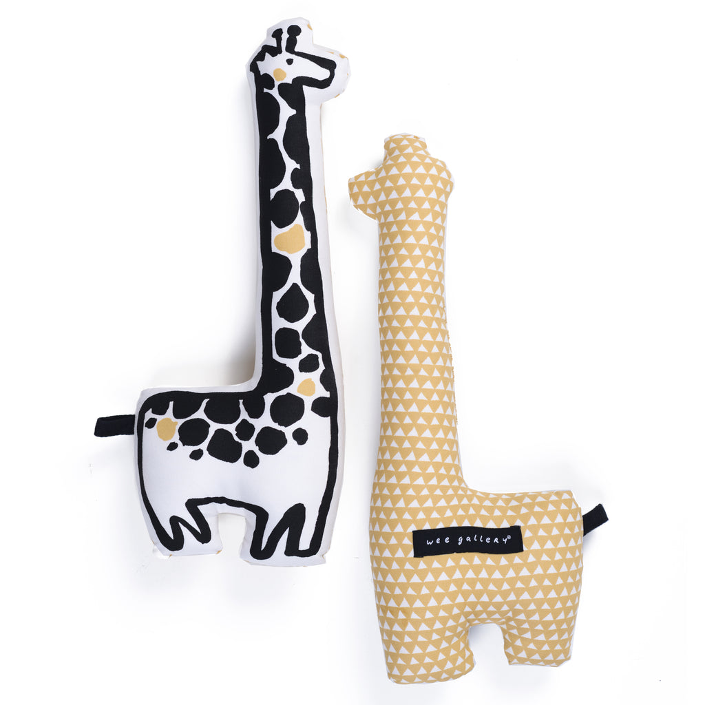 WEE GALLERY - Nursery Friends – Giraffe Throw Pillow