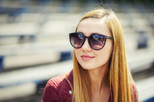 5 Reasons You NEED to Wear Sunglasses During the Winter Season