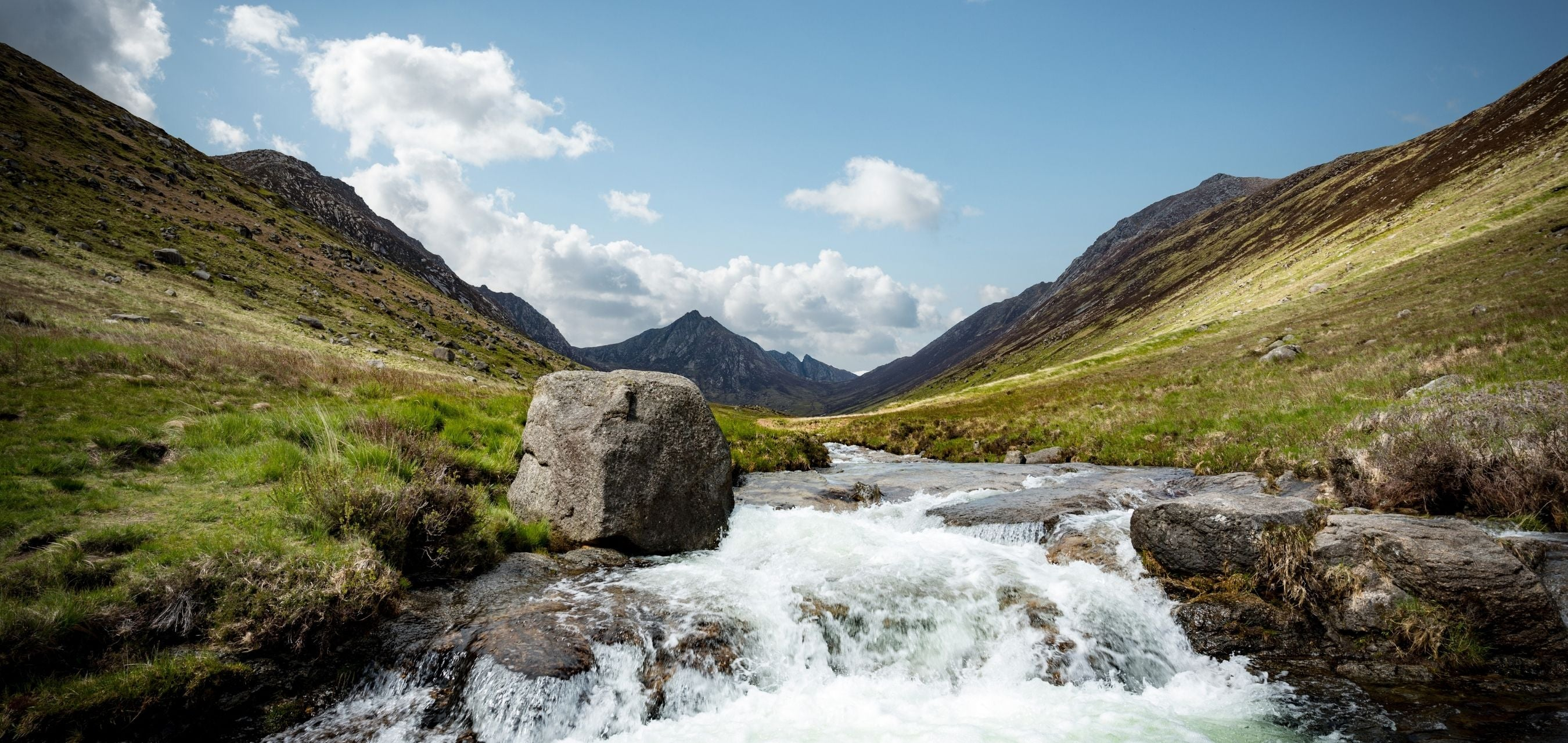 Image of a glen in Scotland